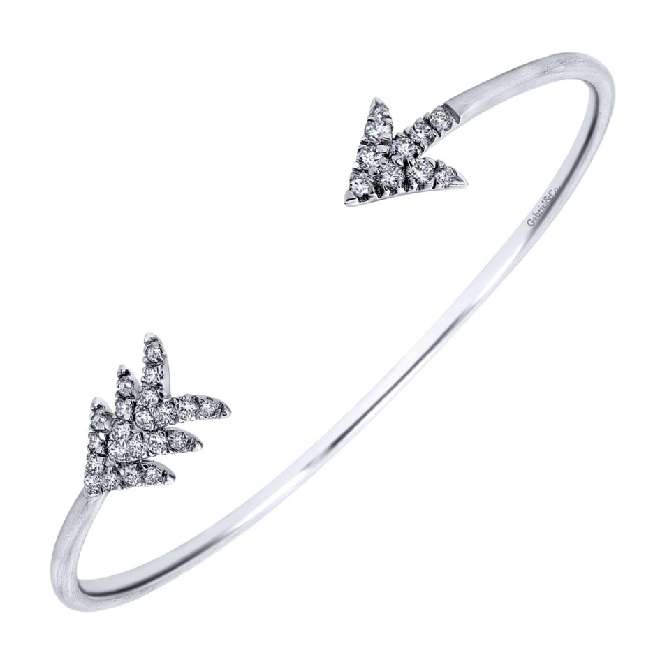 Ladies Silver Leaf And Arrow Style Cuff Bracelet Set With Round White Sapphires