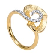 14K-Ladies Yellow Gold Heart Ring With .37 Ct Round Diamonds