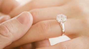 5 Thoughts You'll Regret When Buying an Engagement Ring